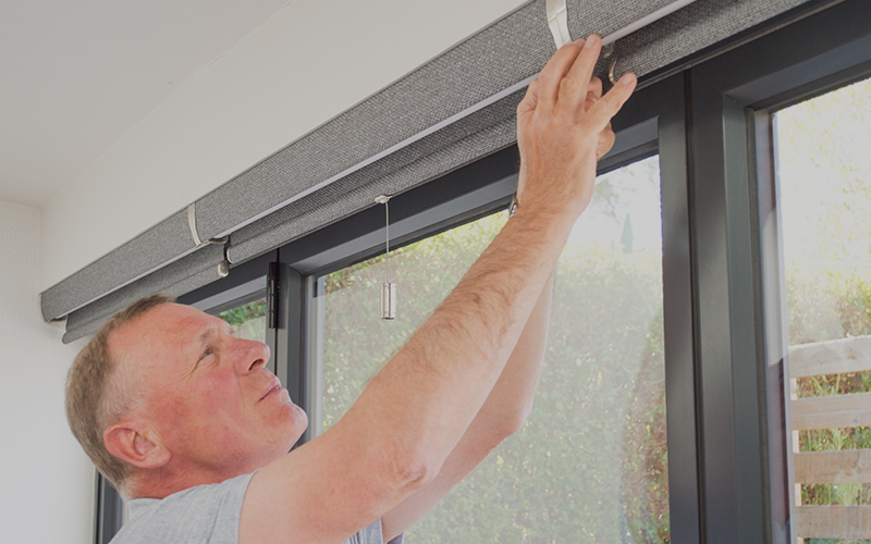 Smith and Horner Fife blind installation